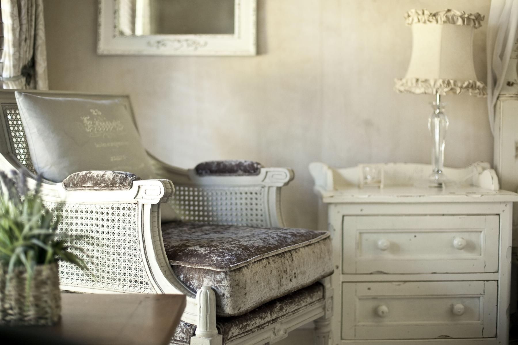 Das Bild zeigt Möbel im Shabby Chic Look.