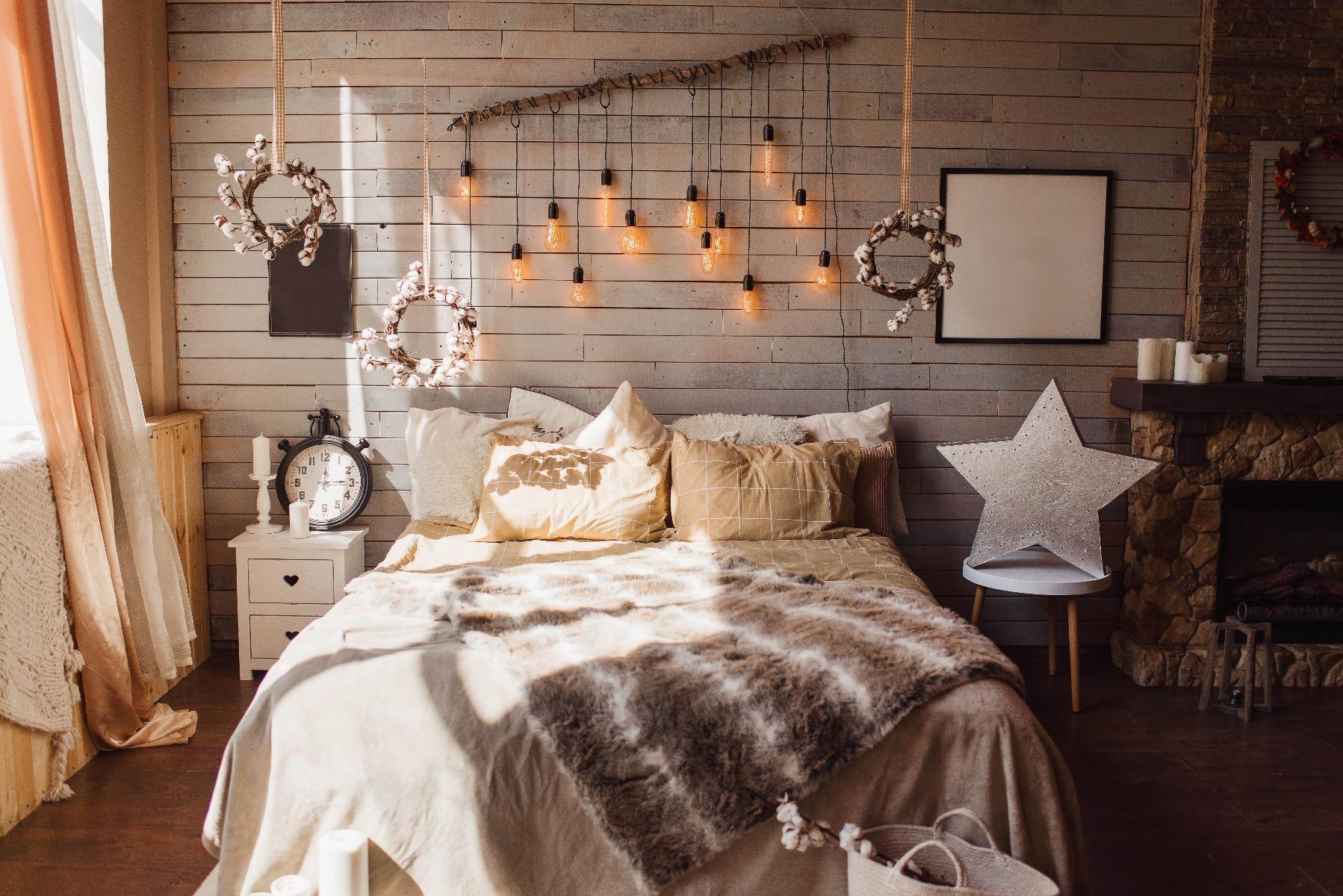 Das Bild zeigt ein Zimmer im Hygge Stil.