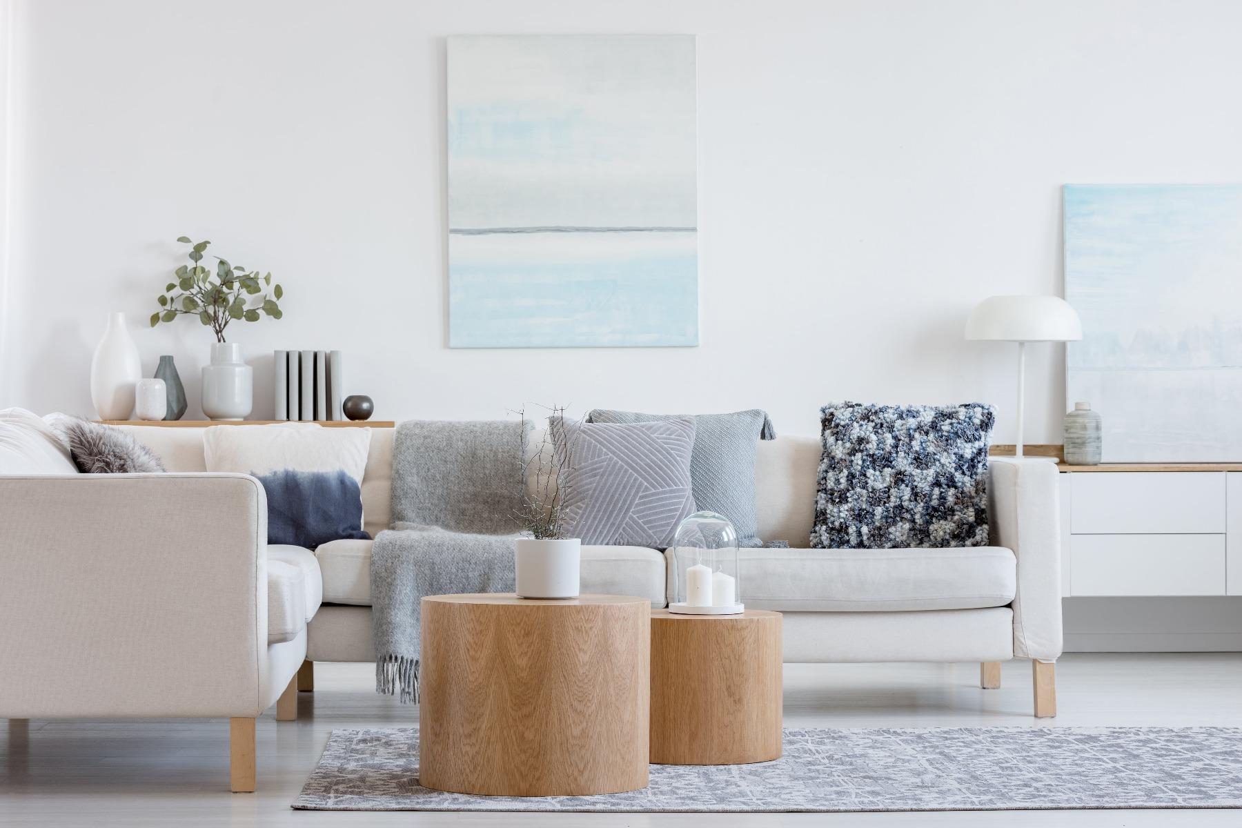 Das Bild zeigt ein Zimmer im skandinavischen Wohnstil.