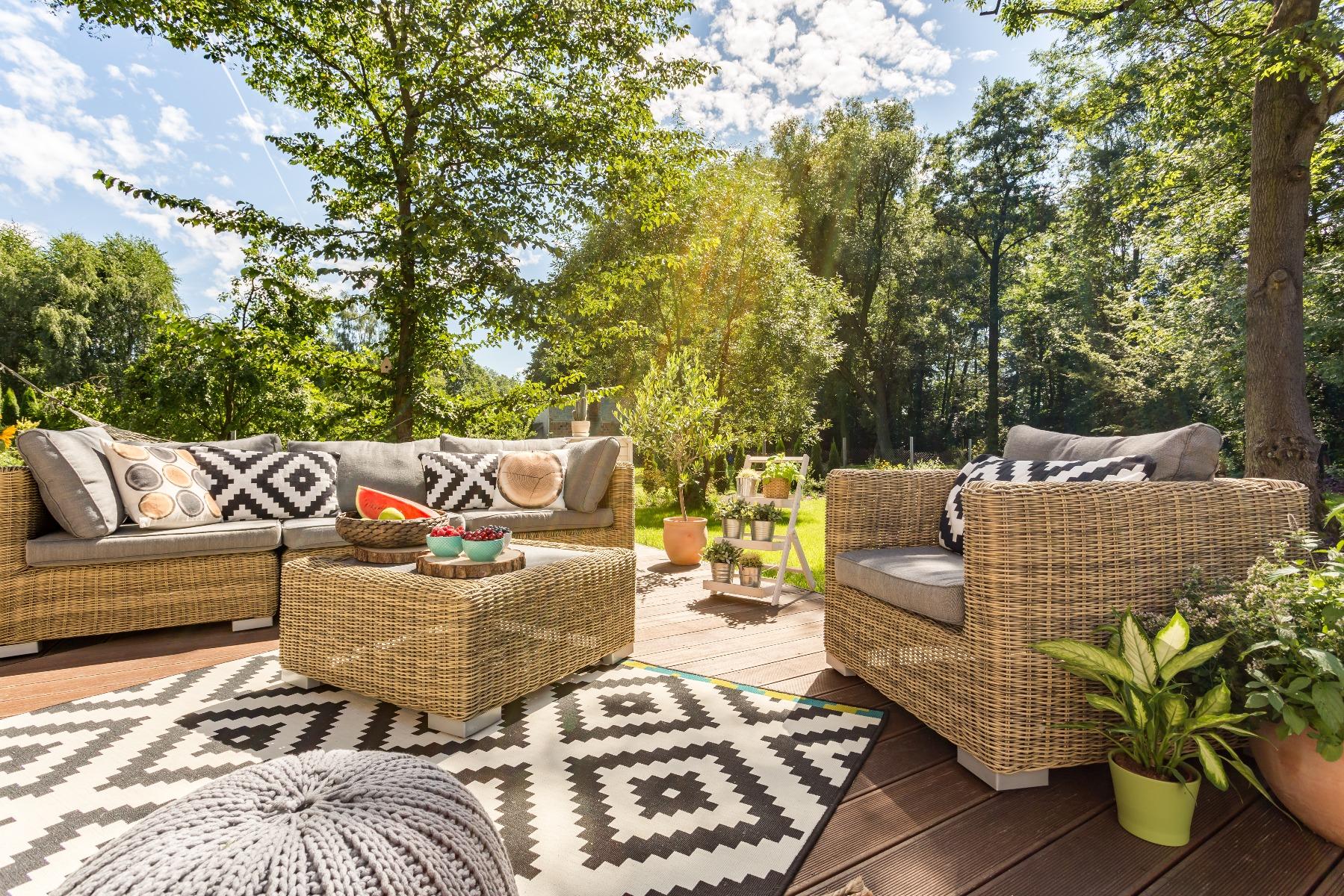 Das Bild zeigt einen schön gestalteten Garten.
