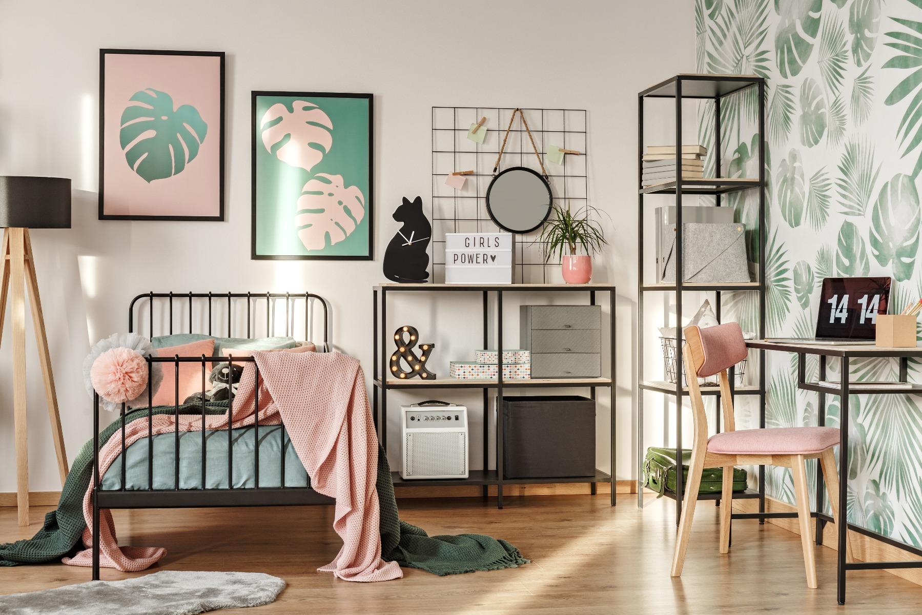 Das Bild zeigt die Wandgestaltung in einem Jugendzimmer.