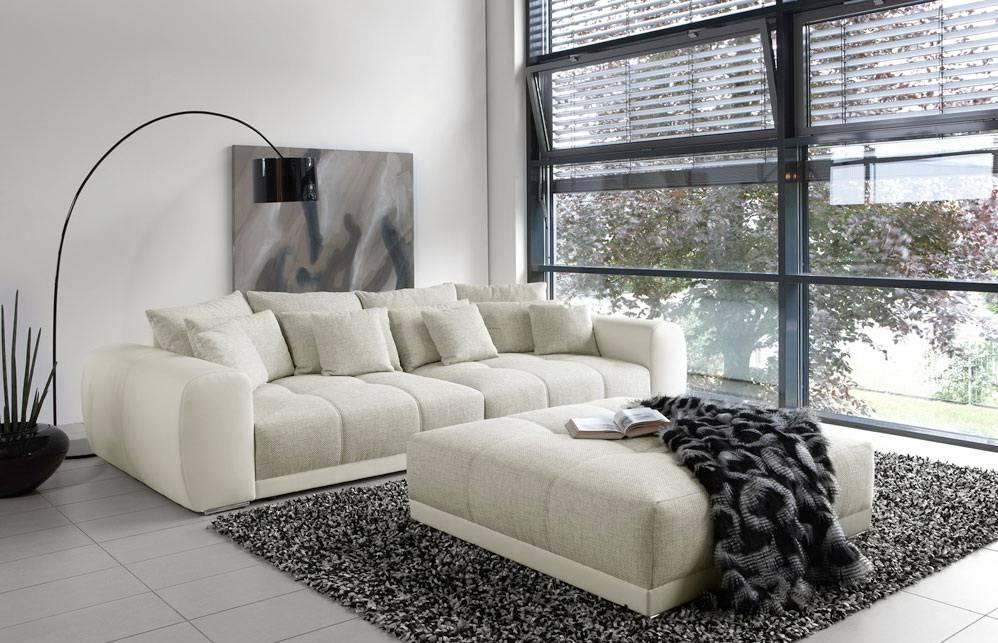 Das Bild zeigt ein Big Sofa mit Boxspringfederung.