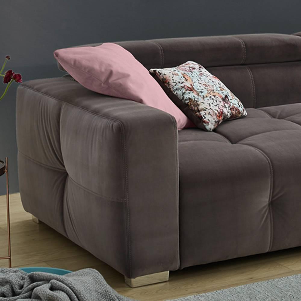 Das ist ein Foto von einem Big Sofa in Braun.