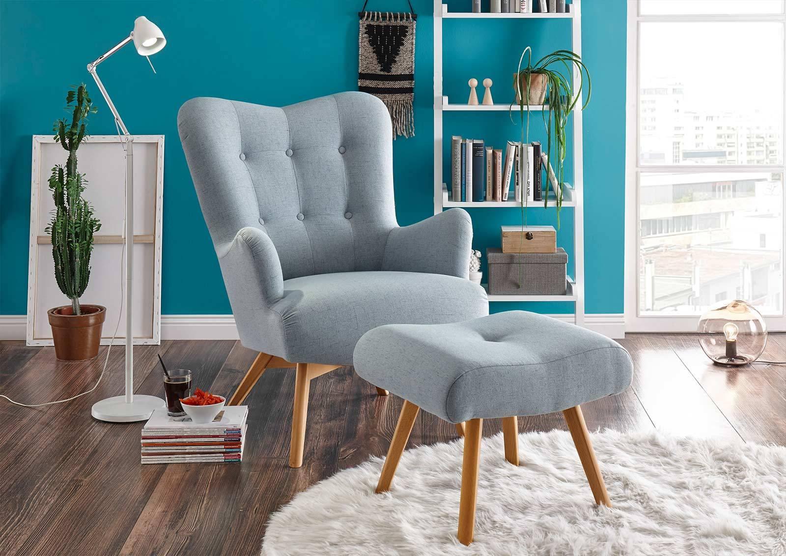 Das Foto zeigt einen modernen Sessel.