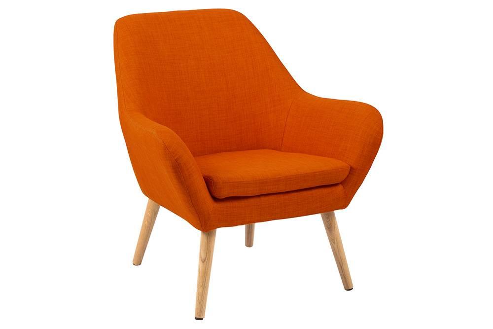 Das Foto zeigt einen Sessel im skandinavischen Stil.