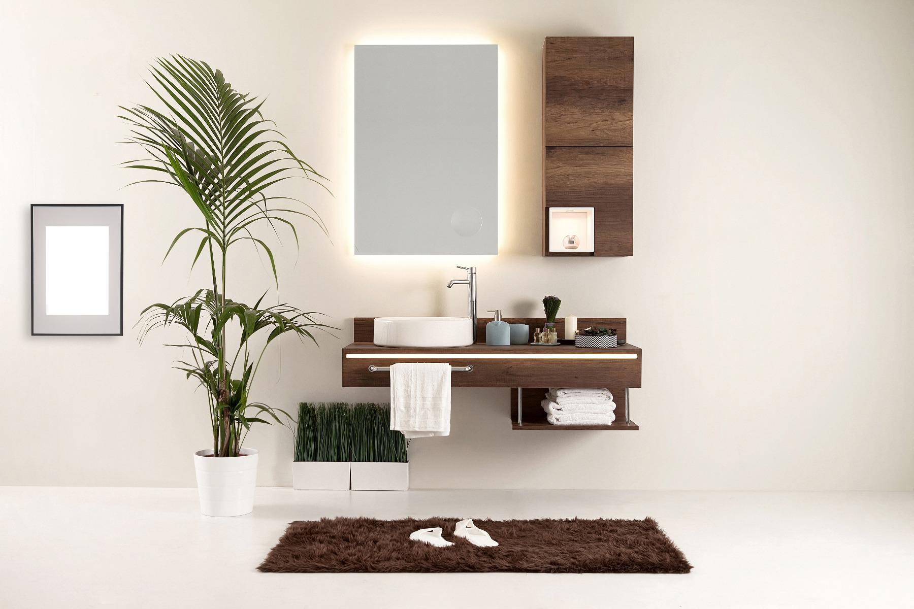 Das Bild zeigt schöne Badezimmermöbel.