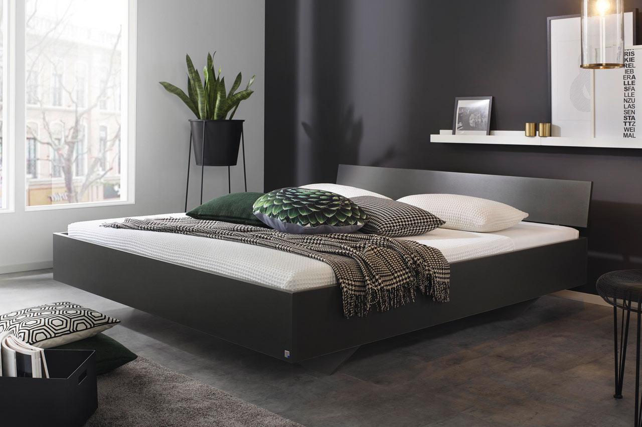 Lifestyle4Living Bett in grau-metallic, Liegefläche 180 x 200 cm