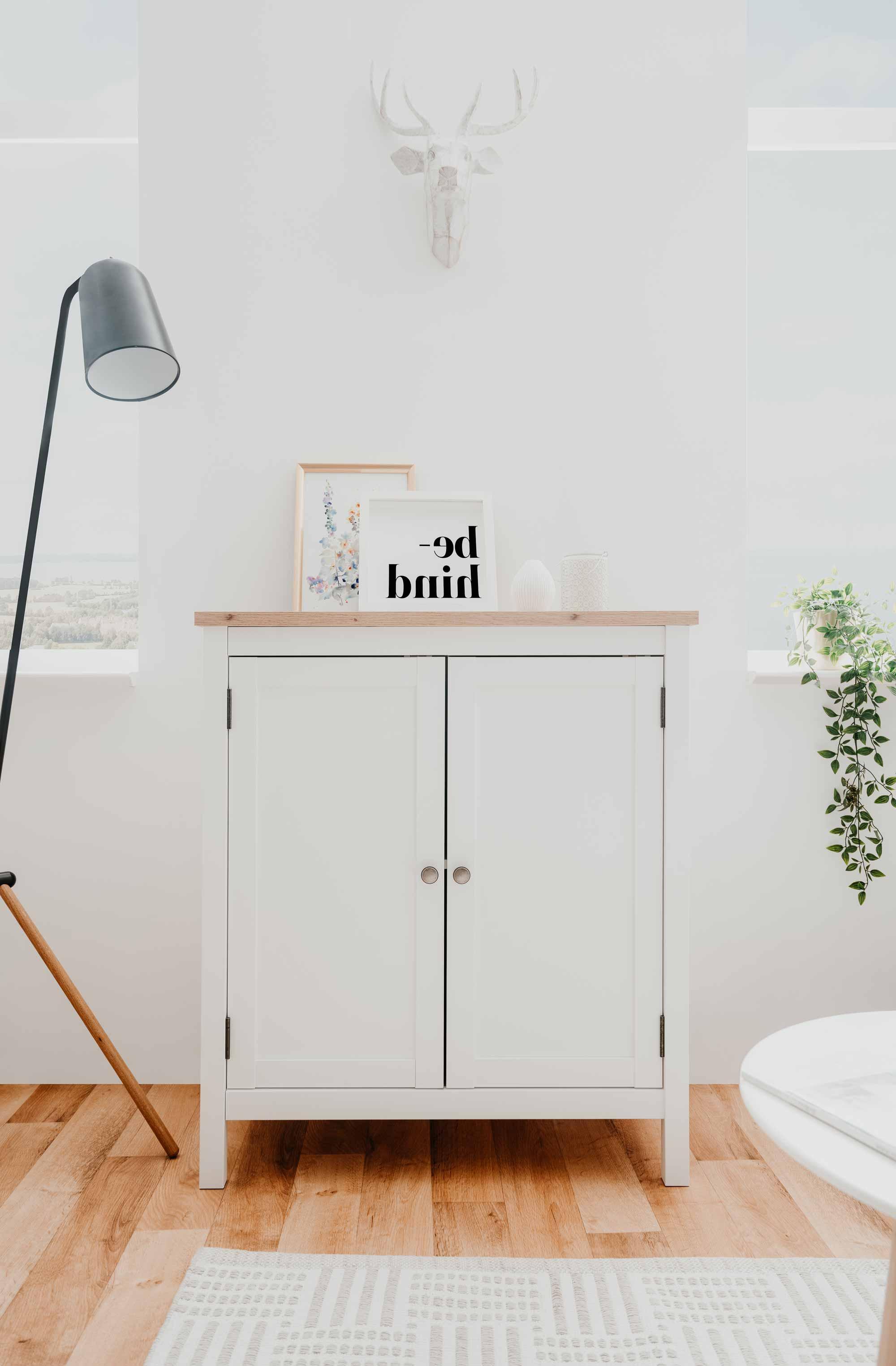 Lifestyle4Living Kommode in Weiß und Eiche Nachbildung, B/H/T ca. 80/90/40 cm
